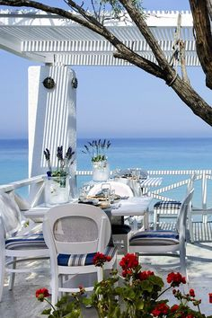 [Halkidiki by the sea, North Greece]  ...  Ah, to win the BIG GAME - I would travel here in a  h e a r t b e a t