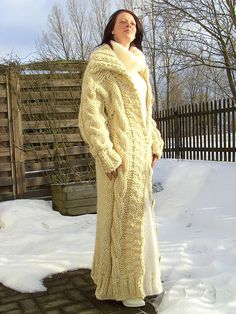 Mohair Sweater, Sweater Coats, Women's Sweaters, Sweater Fashion, Sweater Outfits, Gros Pull Mohair, Maxi Robes, White Cardigan, Knitwear