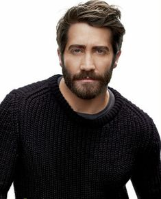 Gyllenhaal Is A Soul Man Jake Gyllenhaal, a gorgeous man always looks gorgeous, even with a beard! i'm in love♥Jake Gyllenhaal, a gorgeous man always looks gorgeous, even with a beard! Hair Men Style, Hair And Beard Styles, Hair Styles, Guy Style, Men's Style, Mens Hairstyles With Beard, Haircuts For Men, Men's Hairstyles, Amazing Hairstyles