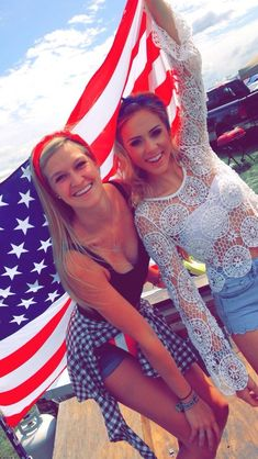 friends // summer // american flag // happy fourth of july // photography Bff Pictures, Best Friend Pictures, Friend Photos, Cute Photos, Bff Pics, Bff Goals, Best Friend Goals, Orlando, Best Friend Photography