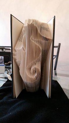 Seahorse Book Folding Pattern 229 folds by CraftyHana on Etsy