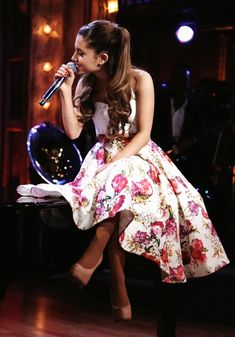 Ariana Grande on Jimmy Fallon. Add her to your Endorfyn Likes, to keep up with her latest appearances & performances: www.endorfyn.com/us/home?like=Ariana%20Grande