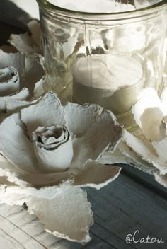 Diy Rose, Dollar Tree Gifts, Recycling, Paperclay, Paper Mache, Paper Flowers, Candle Holders, Diy Crafts, Candles