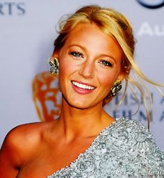 My ultimate woman crush, Blake lively. Perfect People, Pretty People, Beautiful People, Blake Lively, Carrie, Divas, Blake And Ryan, Vogue, Celebs