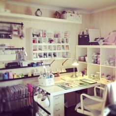 Craftroom inspiration ♥  I would be in heaven!!!