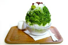 SHARI SHARI Kakigori House 氷屋 – One Of The Hottest Dessert Cafés In Hong Kong Right Now! Shaved Ice with Green Tea flavor when will this come to the United States?  Continue the conversation about your favorite Food Fad at: http://www.hashch.at/