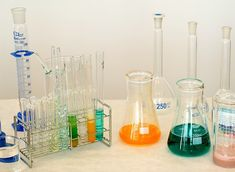 Vidrio de laboratorio, materiales para quimica
