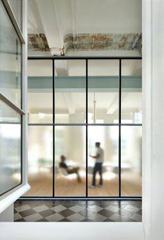 Antique glass - Famous by Architecten De Vylder Vinck Taillieu Architecture Restaurant, Interior Architecture, Interior Design, Commercial Architecture, Steel Windows, Windows And Doors, Commercial Design, Commercial Interiors, Industrial Office Design