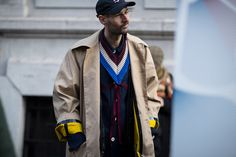 Another day, another street style set from our roaming lens. This time we land in Milan for Men's Fashion Week FW17.