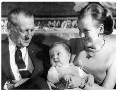 The Crown Prince as a child with his mother, Queen Margrethe II, and his maternal grandfather, King Frederik IX. Photo: Polfoto.