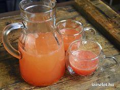 A C-vitaminban gazdag forró ital grapefruitból és citromból, mézzel és gyömbérrel a megfázásos napokra. Alcoholic Drinks, Cocktails, Pink Grapefruit, Moscow Mule Mugs, Smoothies, Food And Drink, Tableware, Glass, Smoothie