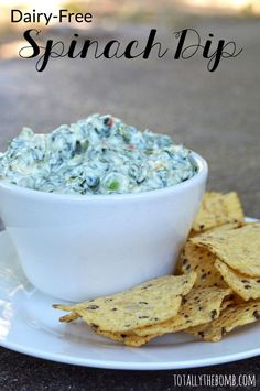 A quick, easy, and inexpensive appetizers to serve up to our hungry guests. This meat-free and dairy free spinach dip recipe is perfect for guests with allergies! Save this helpful pin for later! Dairy Free Dips, Dairy Free Appetizers, No Dairy Recipes, Avacado Appetizers, Prociutto Appetizers, Mexican Appetizers, Halloween Appetizers, Dairy Free Veggie Dip, Lactose Free Snacks