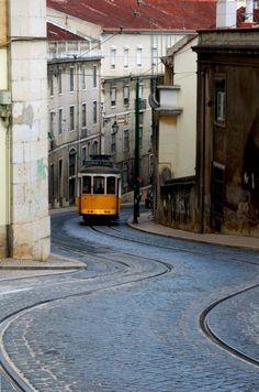 Gypsy Living Traveling In Style| Serafini Amelia| Lisbon, Portugal