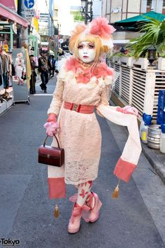 Japanese Shironuri Artist Minori's Lace Dress in Harajuku | Purely Inspiraton