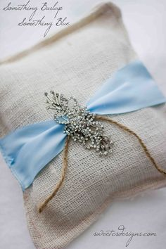 make your own elegantly rustic ring pillow in under 10 minutes for less than $ 15 #wedding #ringpillow #somethingblue