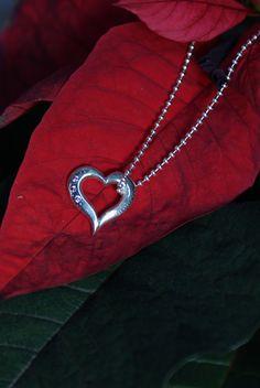 Sterlinghopeariipus kolmella pinkillä safiirilla.  150 € Arrow Necklace, Jewellery, Silver, Jewels, Schmuck, Jewelry Shop, Jewlery, Jewelery, Money