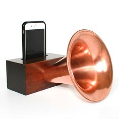 Gramophone Wireless iPhone Speaker - Coolest smartphone speaker I've ever seen. Requires no electricity and looks awesome!