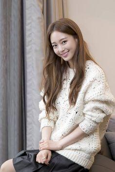 한예슬 Han Ye Seul, Pretty Korean Girls, Actors & Actresses, Kdrama, Turtle Neck, Celebs, Lace, Sweaters, Beautiful