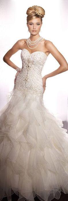 White and Gold Wedding. Sweetheart Neckline, Lace Trumpet Wedding Dress. Christina Wu Bridal wedding dress