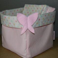 """Panier """"papillon"""" avec 12 lingettes lavables rose à pois multicolores"""