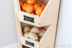What a great DIY Kitchen produce storage idea!This is perfect for my small kitchen! How to build a DIY corner vegetable storage bin. It is so easy and has step by step instructions and plans. Vegetable Storage Bin, Produce Storage, Kitchen Organization Pantry, Diy Kitchen Storage, Organization Ideas, Diy Vertical Storage, Diy Ziploc Bags, Cornhole, Small Wood Projects