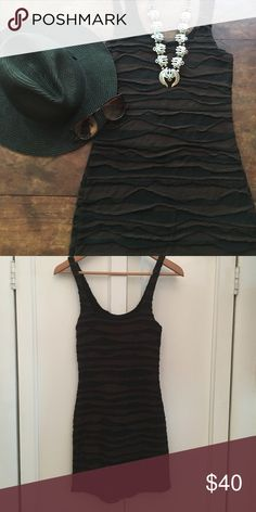 *hp!* Free people textured bodycon dress Brown and black form fitting dress by Free People. This dress is super comfy and is great for a summer night out! Free People Dresses