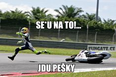 the best of valentino rossi Bike Meme, Bra Video, Perfectly Timed Photos, Timing Is Everything, Funny Photography, Chuck Norris, Valentino Rossi, Perfect Timing, Sport