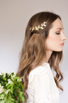 http://sosuperawesome.com/post/147421023636/hair-accessories-headpieces-and-sashes-by