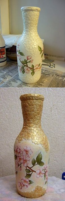 (Old Monk Bottle Painting) Glass Bottle Crafts, Wine Bottle Art, Painted Wine Bottles, Diy Bottle, Bottles And Jars, Decoupage Jars, Decoupage Vintage, Eggshell Mosaic, Egg Shell Art