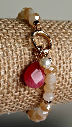 Delicate Wire Wrapped Drop Stone and Pearl Charm Stretch Bracelet - Red