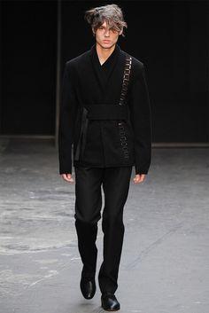Lee Roach - Fall 2015 Menswear - Look 6 of 20 High Fashion Men, Men Fashion Show, Fashion Moda, Suit Fashion, Runway Fashion, Mens Fashion, Fashion Outfits, Fashion Stores, Fashion Fall