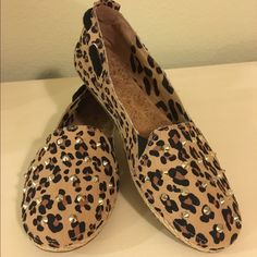 Gianni Bini Leopard flats Size 9.5 Very fun shoes with all the added details. Made with leather upper, rubber sole and cork on the inside. Cute and comfortable! Gianni Bini Shoes Flats & Loafers