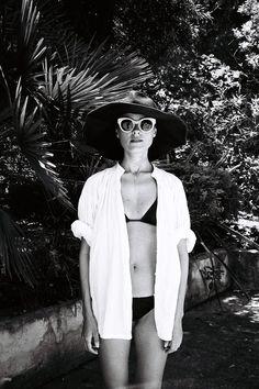 Chapéu e óculos giga + camisa para proteger do sol