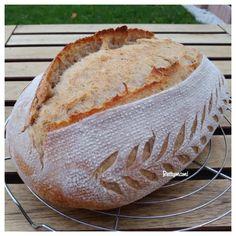 Kovászos burgonyás fehér kenyér   Betty hobbi konyhája Sourdough Bread, Baking, Food, Breads, Basket, Yeast Bread, Bread Rolls, Bakken, Essen