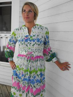 Vintage 60s White Floral Print Dress Retro Flowers S by soulrust, $39.99
