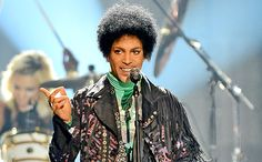 Prince slaps fans, Facebook users with $22 million lawsuit for posting bootleg videos | EW.com