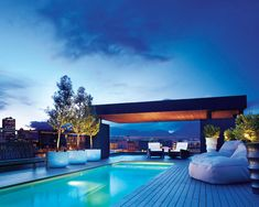 ELLE DECOR GOES TO VANCOUVER    The rooftop pool at the Keefer Suites.