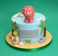 Excellent Image of Dinosaur Birthday Cake Dinosaur Birthday Cake Chris Dance Cakes cake decorating recipes anniversaire chocolat de paques cakes ideas Dinasour Birthday Cake, Dinosaur Birthday Party, Birthday Party Desserts, 3rd Birthday Cakes, 4th Birthday, Birthday Ideas, Dance Cakes, Dino Cake, Savoury Cake