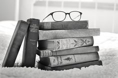 THERE'S NO SUCH THING AS *ONE* FAVOURITE BOOK | 23 Things a Bookworm Knows | cheap books