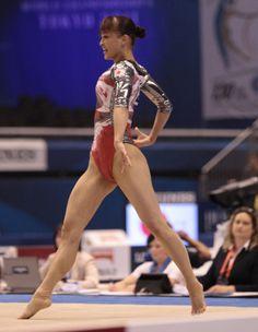 Artistic Gymnastics, Gymnastics Girls, Japonese Girl, Athletic Events, Gymnastics Photography, Gymnastics Pictures, Rhythmic Gymnastics Leotards, Female Gymnast, Olympic Athletes
