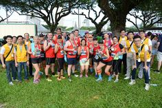 WMSCOG Singapore, Members reminded the crowd at the Standard Chartered Marathon 2016 to bin their litter.