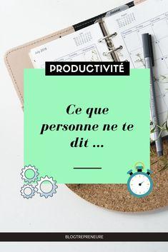 Tu cherches à améliorer ta productivité ? En tant qu'entrepreneure, on est toujours ? la recherche de bons conseils pour être plus productif. J'ai pour toi le secret inavouable et bien caché derrière une bonne productivité. Job Cv, Cv Tips, Working Mums, Filofax, Digital Marketing, Entrepreneur, Organiser, Organization, Motivation