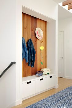 12 Big Ideas for Your Tiny Entryway on domino.com