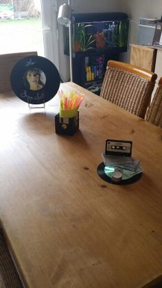 1000 images about annee 80 on pinterest 80s party - Deco de table annee 70 ...
