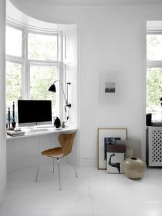 White Modern Scandinavian Home Office Interior with Arne Jacobsen Chair Home Office Space, Home Office Design, Home Office Decor, House Design, Home Decor, Office Ideas, Office Nook, Desk Space, Office Spaces