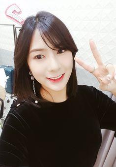 Oh Hayoung, Pink Panda, Eun Ji, Love At First Sight, Korean Girl Groups, Kpop, Actresses, Celebrities, Velvet