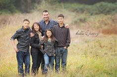 I enjoy photographing families and try to make the experience as fun as possible. I know the thought of having family p Family Portrait Poses, Family Picture Poses, Family Photo Sessions, Family Posing, Large Family Photos, Fall Family Pictures, Family Pics, Family Of Five, 6 Photos