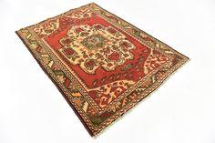 Red 4' 4 x 6' 2 Shiraz Persian Rug | Persian Rugs | iRugs UK