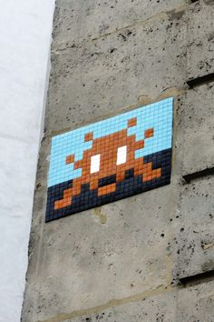Paris 18 - rue des saules - street art - space invader