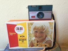 Kodak Hawkeye Instamatic R4 Hawkeye, Colourful Outfits, Film Camera, Cameras, Lunch Box, Vintage, Color, Ideas, Camera